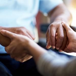 Cuidador familiar - Caregiver vs Caretaker featured