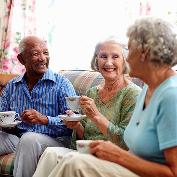 Vida comunitaria para personas mayores